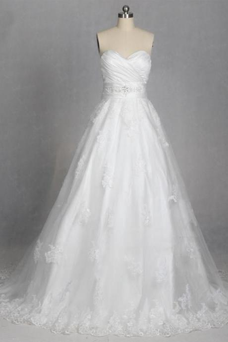 Lace Appliques Satin Sweetheart Floor Length Tulle Wedding Gown Featuring Lace-Up Back and Train